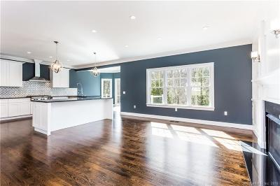 Litchfield County Condo/Townhouse For Sale: 2 Hardwood Circle #4