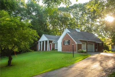 Middlebury Single Family Home For Sale: 133 Ravenwood Drive