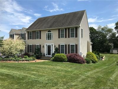 Southington Single Family Home For Sale: 32 Macintosh Way