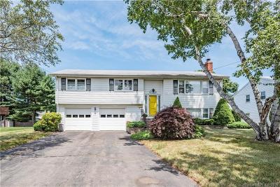 Newington Single Family Home For Sale: 76 Eagle Drive