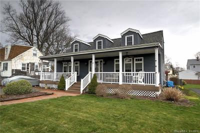 Milford Single Family Home For Sale: 182 Robert Treat Parkway