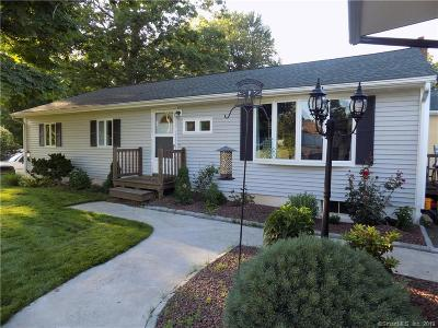 Suffield Single Family Home For Sale: 950 Overhill Drive