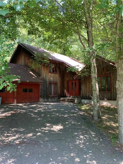 Shelton Single Family Home For Sale: 27 Fieldstone Drive