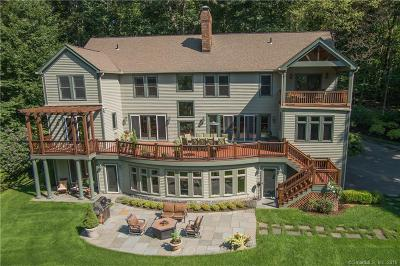 Brookfield Single Family Home For Sale: 13 Edna Court