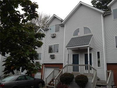 Waterbury Condo/Townhouse For Sale: 925 Oronoke Road #21G
