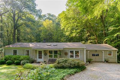 Newtown Single Family Home For Sale: 10 Arrowhead Lane