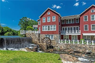 New Canaan Condo/Townhouse For Sale: 55 Jelliff Mill Road