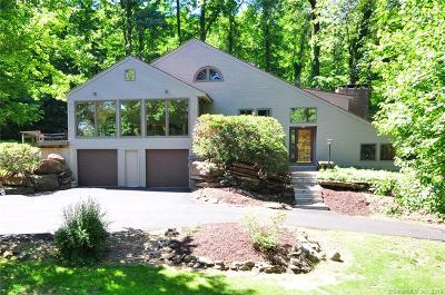 East Granby Single Family Home For Sale: 25 Metacomet Drive