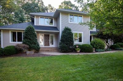 South Windsor Single Family Home For Sale: 21 Jonathan Lane