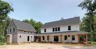 Beacon Falls Single Family Home For Sale: 25 Oakwood Drive