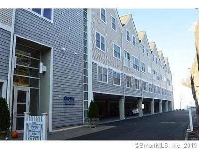 Norwalk Condo/Townhouse For Sale: 4 Daskams Lane #107