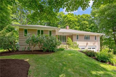 Danbury Single Family Home For Sale: 30 Lindencrest Drive