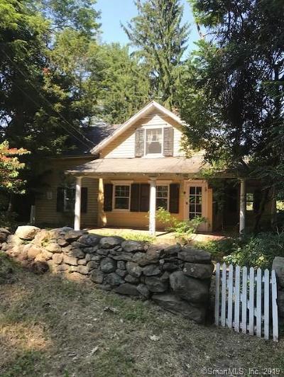 Norwalk Single Family Home For Sale: 102 Comstock Hill Avenue