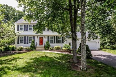 Hamden Single Family Home For Sale: 52 Hideaway Lane