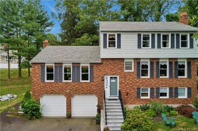 North Haven Single Family Home For Sale: 15 Deer Run Road