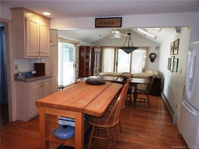 Wethersfield Single Family Home For Sale: 118 Fairlane Drive