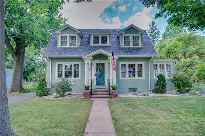 Hamden Single Family Home For Sale: 55 Woodlawn Street