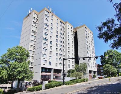 Stamford Condo/Townhouse For Sale: 60 Strawberry Hill Avenue #1118