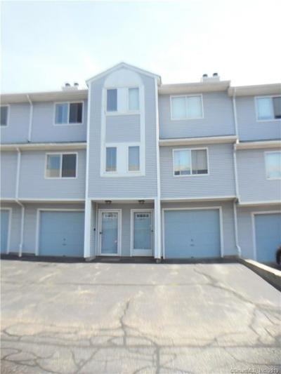 Waterbury Condo/Townhouse For Sale: 182 Stonefield Drive #9