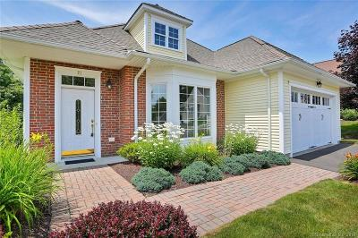 Beacon Falls Single Family Home For Sale: 21 Fieldstone Lane #21