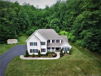 North Branford CT Single Family Home For Sale: $519,900