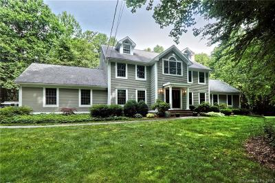 New Haven County Single Family Home For Sale: 15 Twinbrook Drive