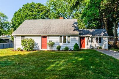 Bridgeport Single Family Home For Sale: 92 Seaver Circle