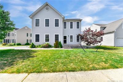 East Granby Single Family Home For Sale: 12 Schoolhouse Landing