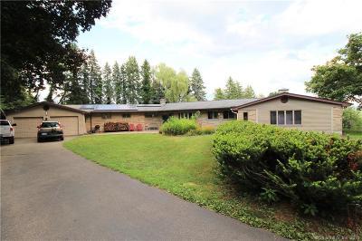 Meriden Single Family Home For Sale: 30 Pasture Lane