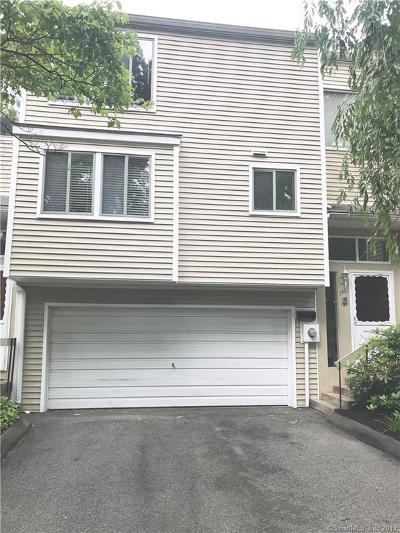 Hamden Condo/Townhouse For Sale: 140 Shepards Knoll Drive #140