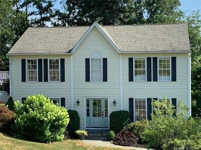 Brookfield Single Family Home For Sale: 36 Candlewood Shores Road