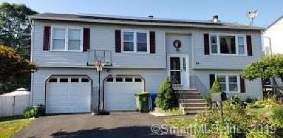 Southbury, Middlebury, Woodbury, Watertown, Litchfield, Waterbury Single Family Home For Sale: 84 Buckland Drive