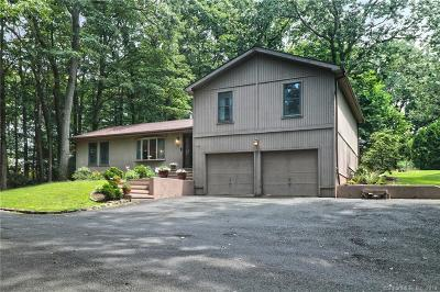 Hamden Single Family Home For Sale: 105 Four Rod Road
