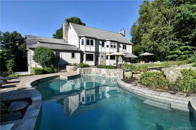 Newtown Single Family Home For Sale: 2 Castle Lane