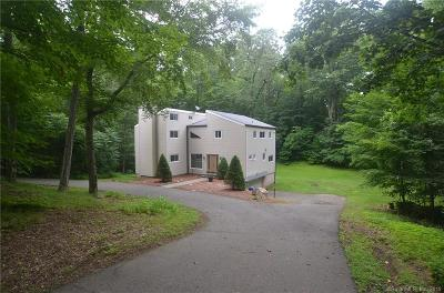 North Branford CT Single Family Home For Sale: $325,000