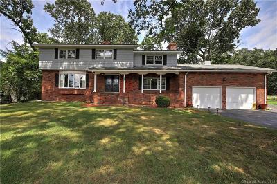 Trumbull Single Family Home For Sale: 22 Horseshoe Drive