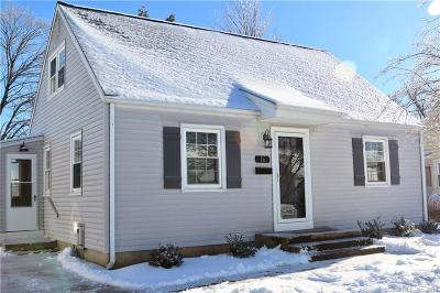 Southington Single Family Home For Sale: 16 Berkley Avenue