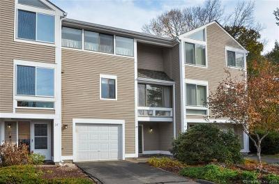 Simsbury Condo/Townhouse For Sale: 39 Old Mill Court #39