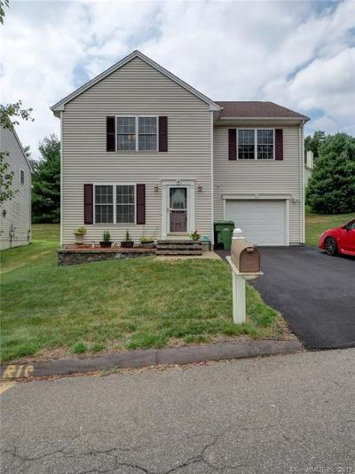 Wallingford Single Family Home For Sale: 47 Angela Drive #47
