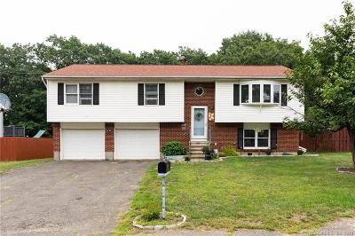 Waterbury Single Family Home For Sale: 37 Kendall Circle