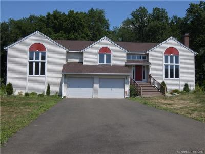 North Haven Single Family Home For Sale: 26 Sara Circle