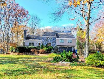 Middlebury Single Family Home For Sale: 105 Fairhaven Drive