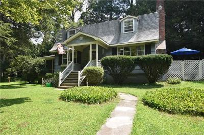 Newtown Single Family Home For Sale: 59 Cricket Trail