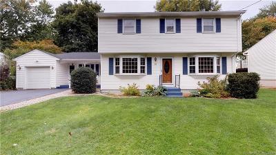 Newington Single Family Home For Sale: 32 Augusta Drive
