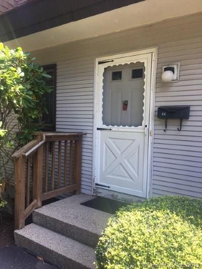 East Lyme Condo/Townhouse Show: 11 King Arthur Drive #4A