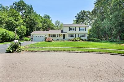 Norwalk Single Family Home For Sale: 19 Woodchuck Court