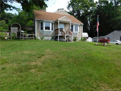 Danbury Single Family Home For Sale: 25 Rose Lane