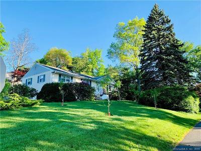 Trumbull Single Family Home For Sale: 34 Hampton Road