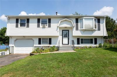 Meriden Single Family Home For Sale: 148 Deer Run Road