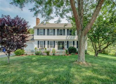 Wallingford Single Family Home For Sale: 7 Whiffle Tree Road